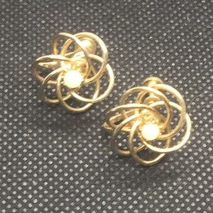 Pearl Wire Spiral Gold Tone Clip On Earrings